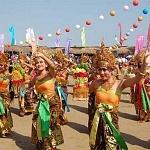 1000 Penari Siap Goyang Festival Nusa Penida 2017