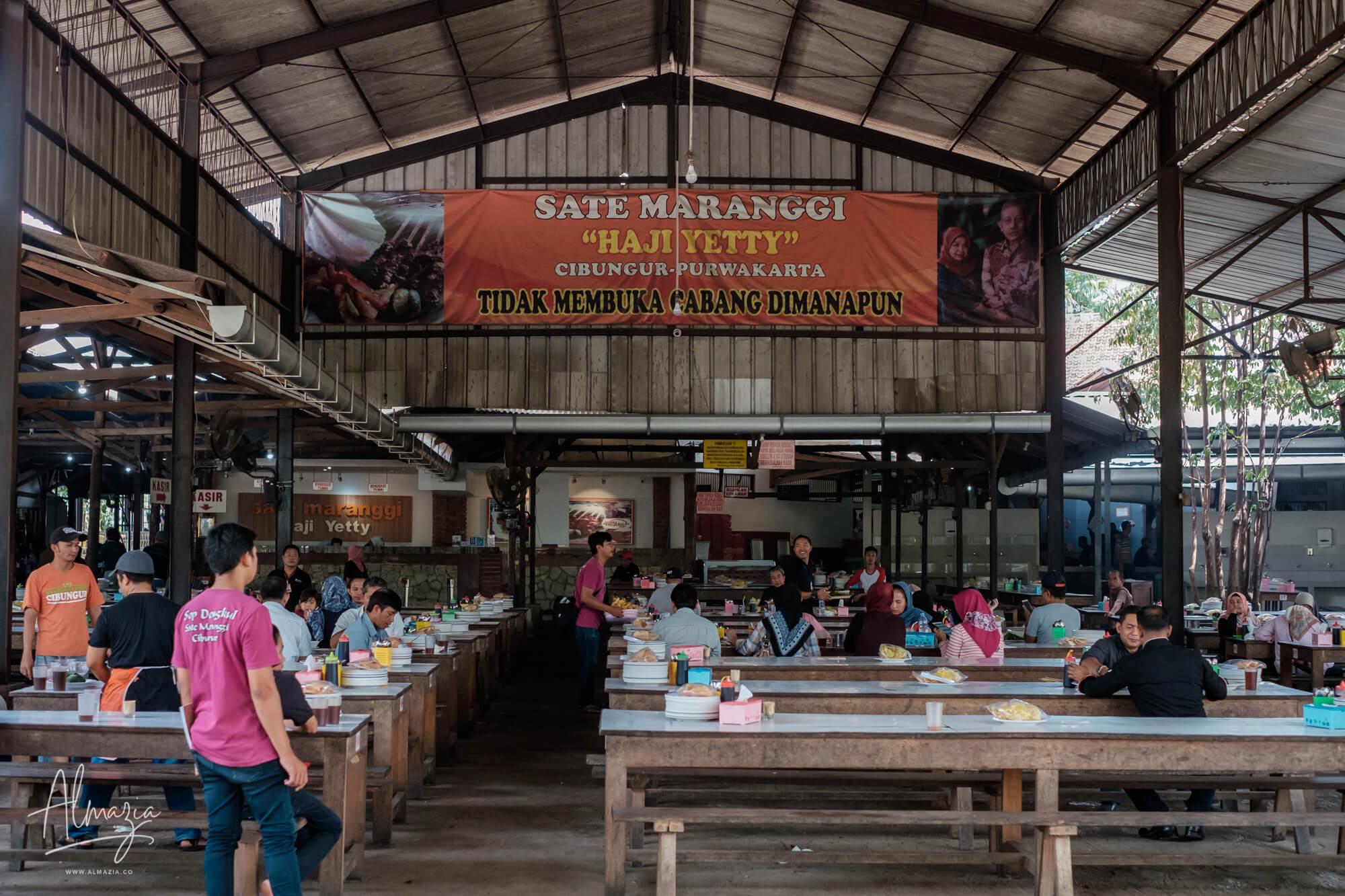Pedagang di Wisata Kuliner Sate Maranggi Raih Keuntungan Besar Pada Libur Akhir Tahun | | EL JOHN News
